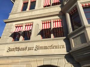 La manifestation s'est tenue dans un bâtiment historique