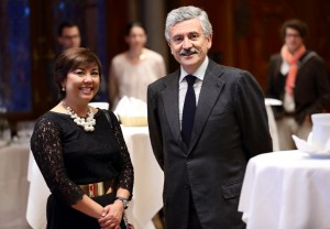 Shadya avec l'ex Premier Ministre italien D'Alema