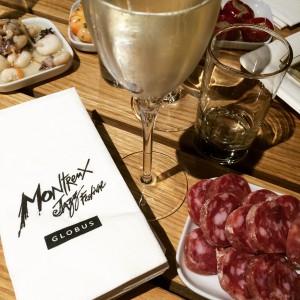 Prosecco saucisson et tapas chez Globus à Montreux