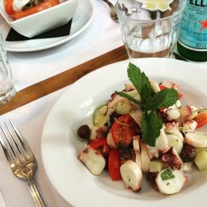 La salade de poulpe colorée
