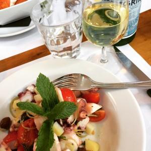 La salade de poulpe est délicieuse