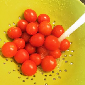 Passer les cherries sous l'eau